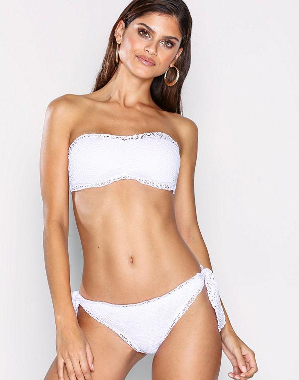 00269904 NLY Beach Crochet Tie Panty Vit - Bikini online - Modegallerian