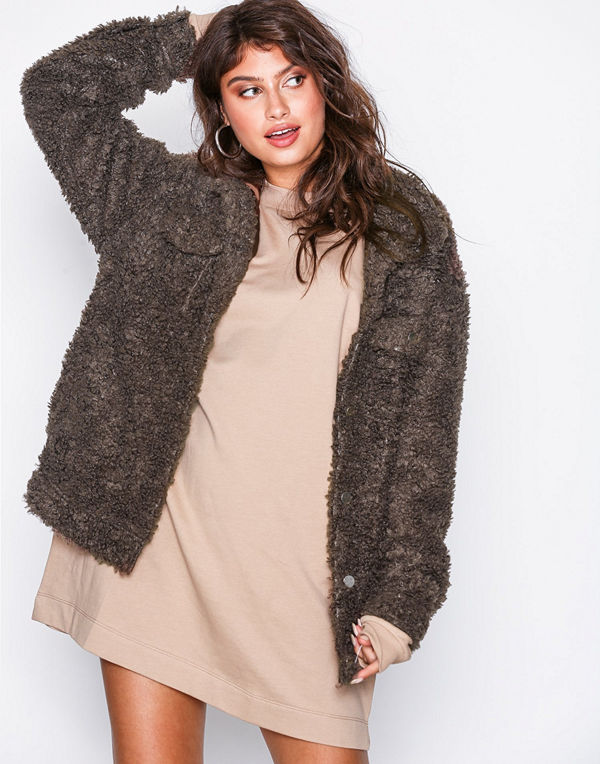 Missguided Oversized Teddy Trucker