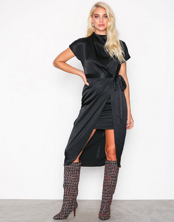 River Island Short Sleeve Waisted Dress
