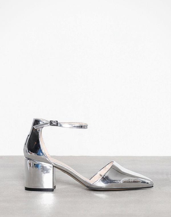 Bianco Divided Pump