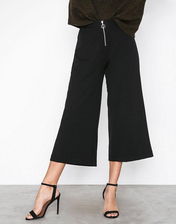 New Look svarta byxor Ring Pull Zip Front Crepe Culottes