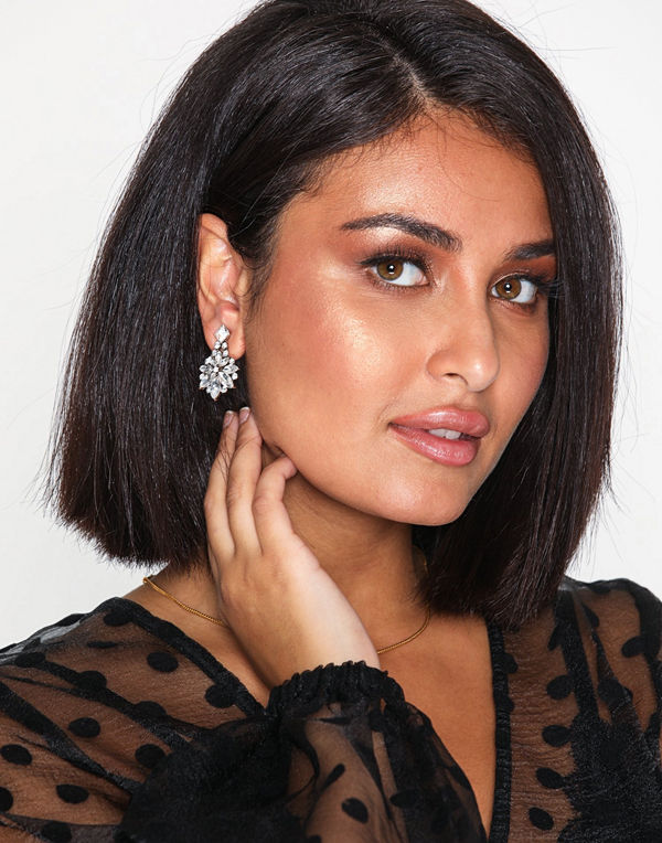 NLY Accessories örhängen Crystal Flower Earrings Silver