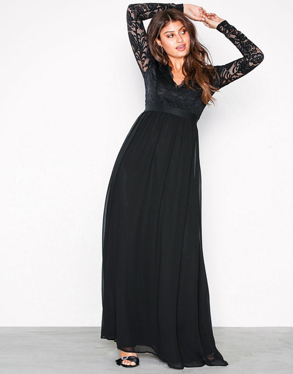 NLY Eve Scalloped Lace Top Gown