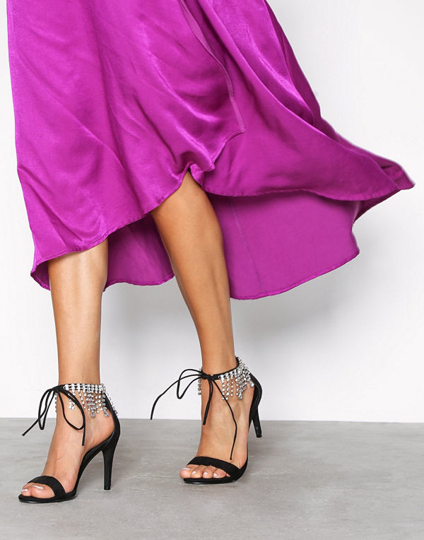 NLY Shoes Rhinestone Strap Heel Svart