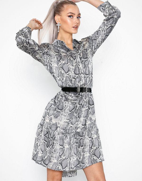 Sisters Point Gloss Dress - Klänningar online - Modegallerian 3862b475ee113