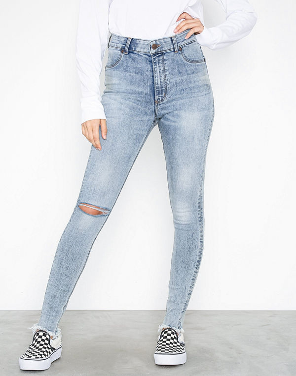 72b91f131a46 Cheap Monday Ally Hex Blue - Jeans online - Modegallerian