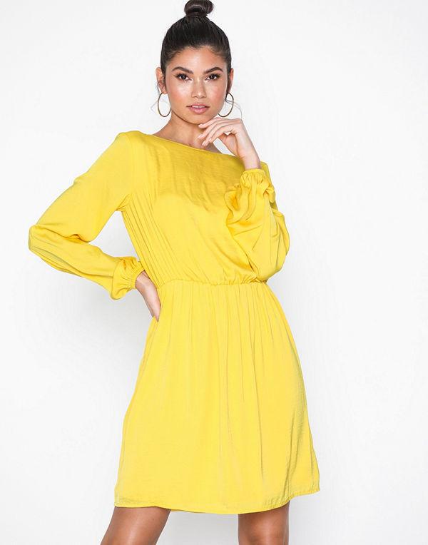 NLY Trend Dreamy Ballon Dress