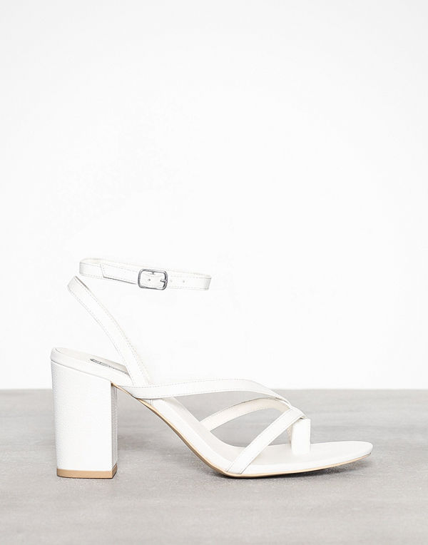 NLY Shoes Strap Toe Sandal