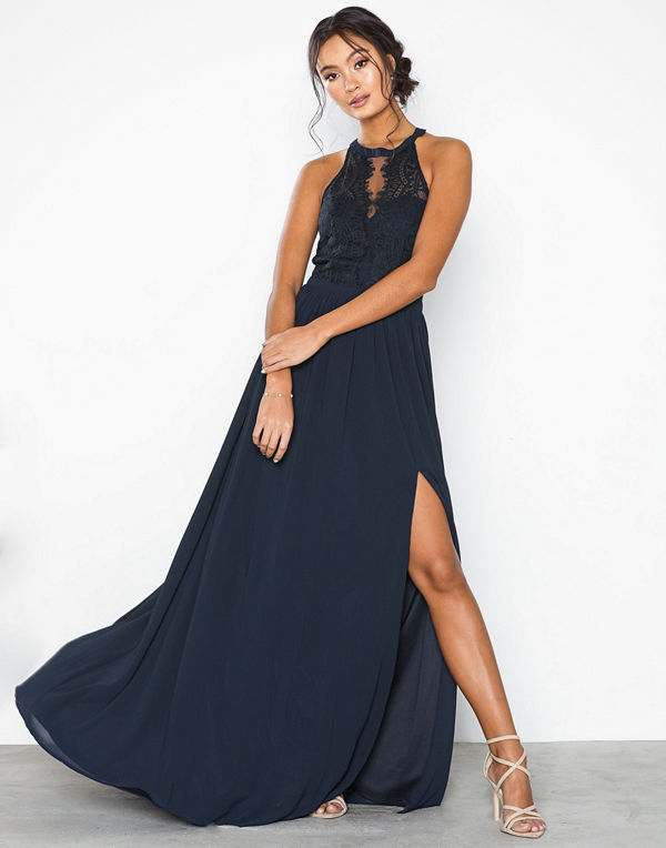 NLY Eve Sportscut Lace Insert Gown