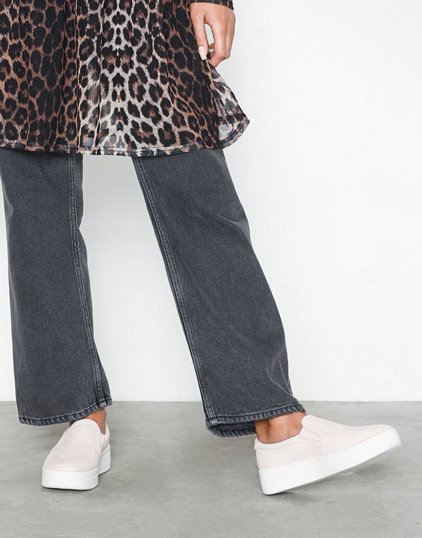 Duffy Faux Suede Slip-On Sneaker Ljus Rosa