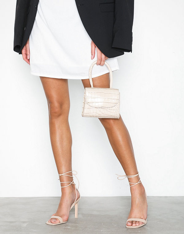 32fb0696869 NLY Shoes Square Heel Sandal Nougat - Pumps & klackskor online ...
