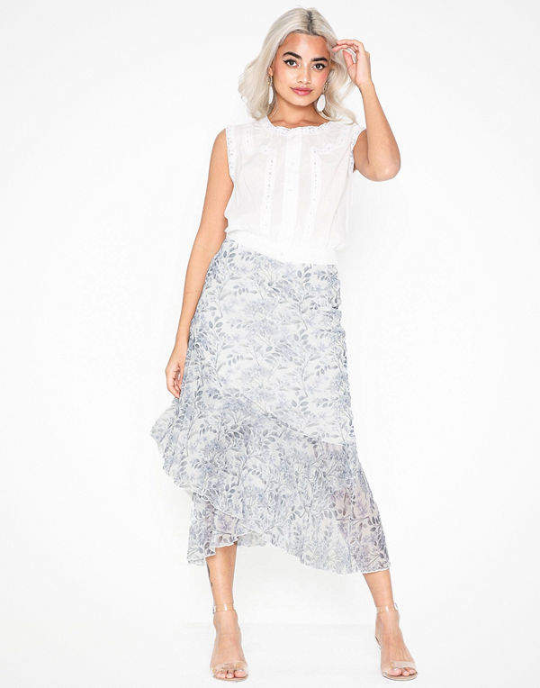 NLY Trend Floral Mesh Skirt