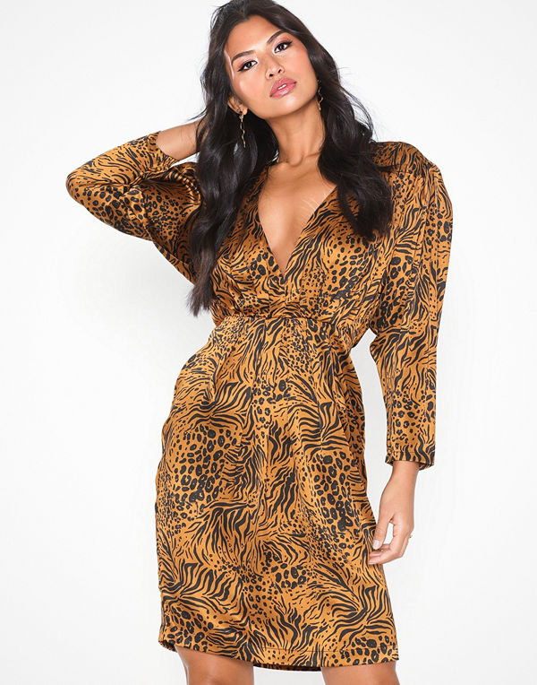 NLY Eve Drapy Front Dress