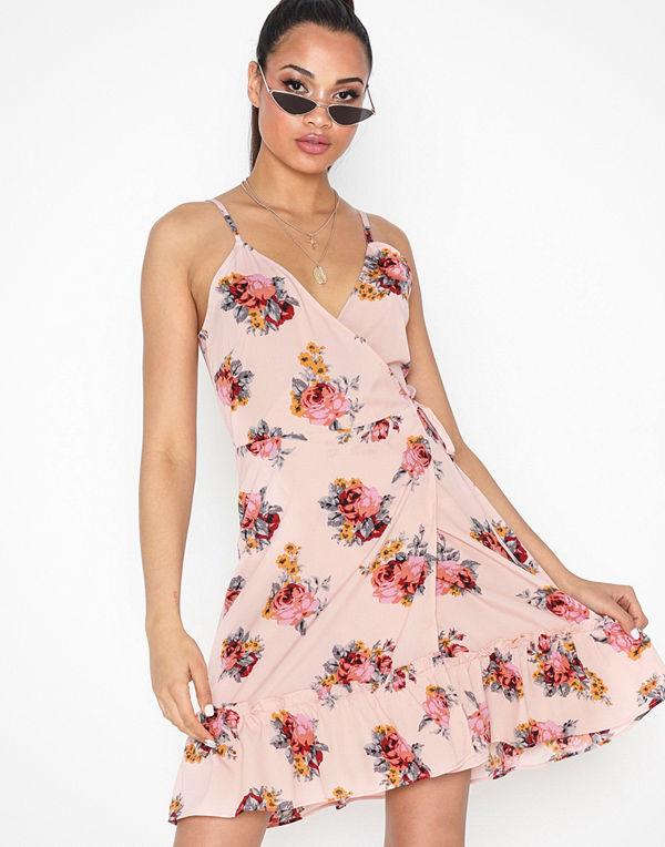 NLY Trend Strappy Wrap Dress