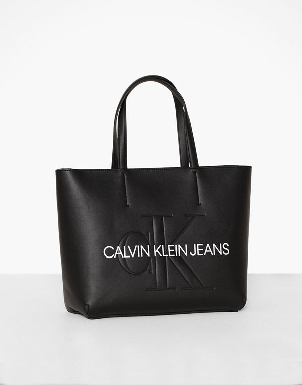 Calvin Klein Jeans Sculpted Monogram E/W TOTE29