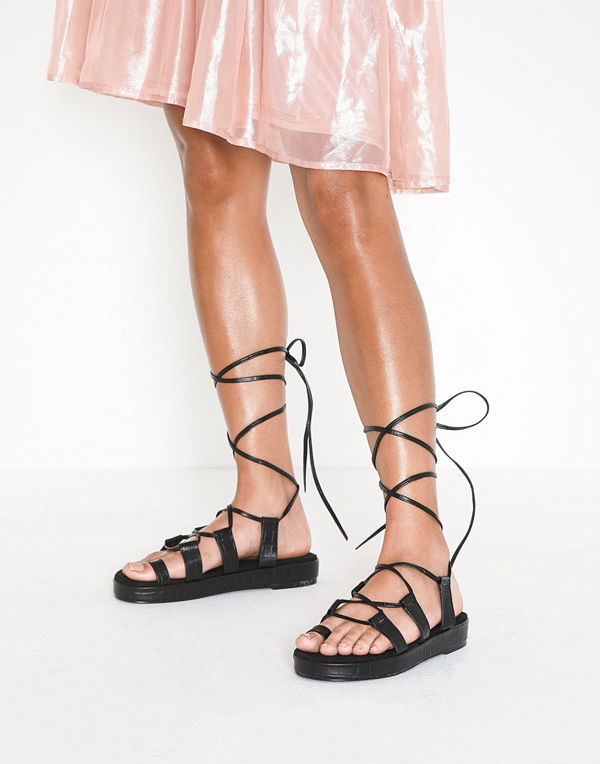 NLY Shoes Perfect Toe Loop Sandal
