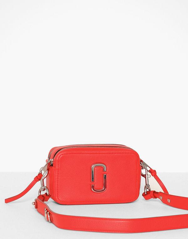 Marc Jacobs röd axelväska The Softshot 21 Geranium