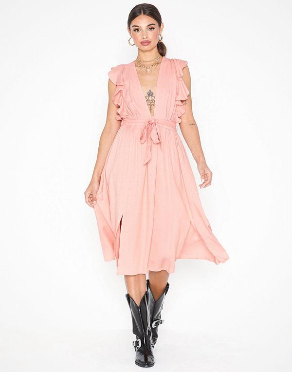 Glamorous Short Sleeve V Neck Dress