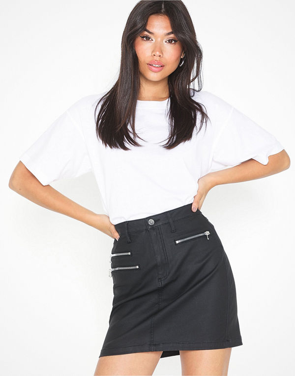 NLY Trend Coated Mini Skirt