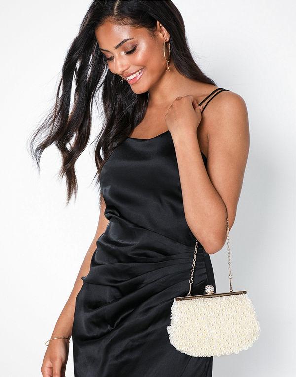 NLY Accessories vit axelväska Adorable Pearl Bag