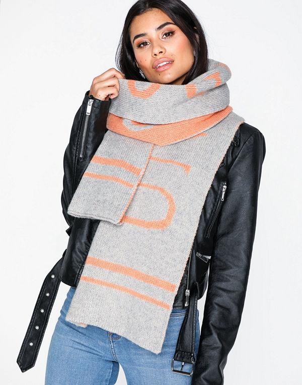 Gestuz UnnieGZ scarf