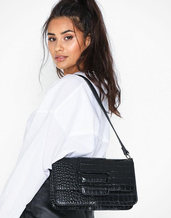 NLY Accessories svart axelväska Perfect Buckle Bag