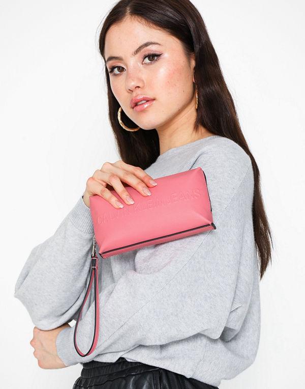 Calvin Klein Jeans rosa kuvertväska Box Wristlet