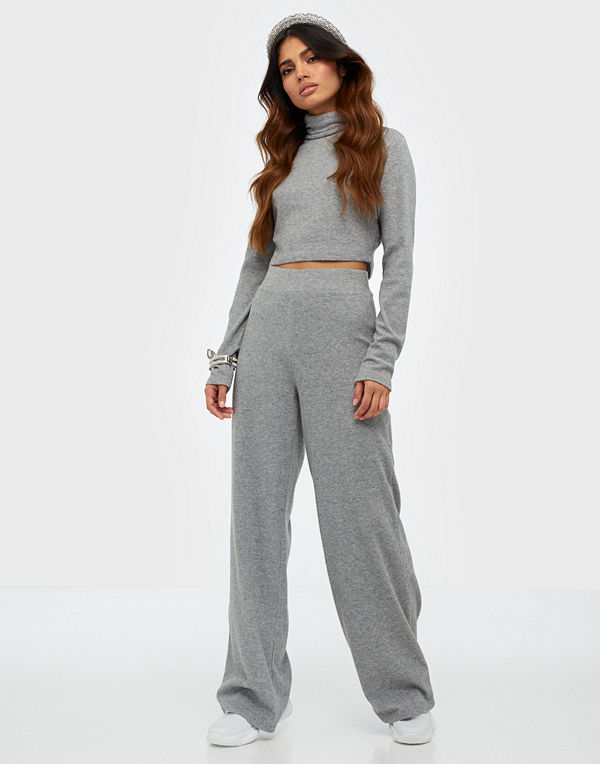NLY Trend Cozy Rib Turtleneck Set