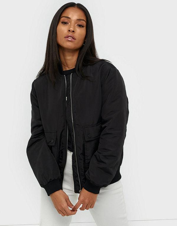 Vero Moda svart bomberjacka Vmpau Short Jacket Boos