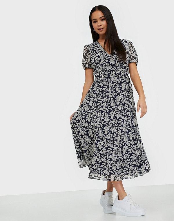 Ss Conr Dr Short Sleeve Casual Dress