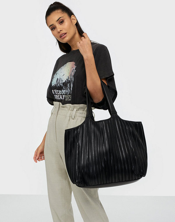 NLY Accessories Pretty Pleats Bag