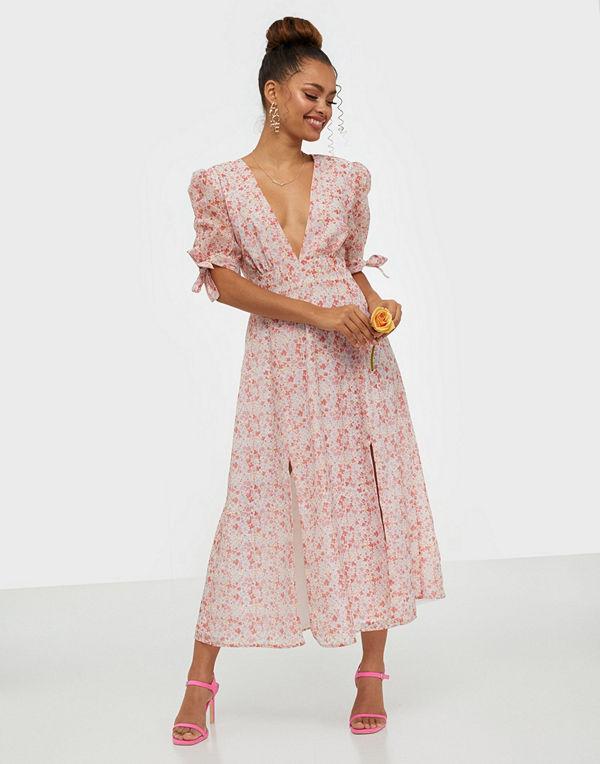Glamorous Half Sleeve V Neck Midi Dress