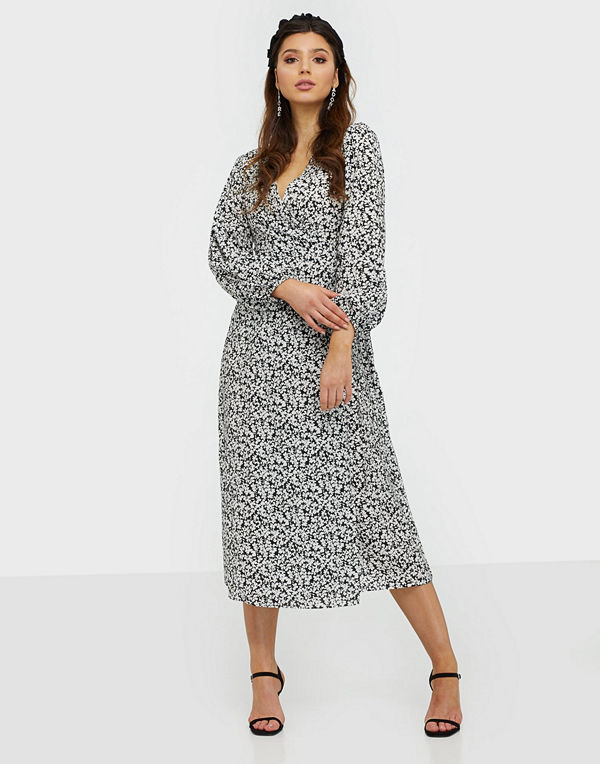 Glamorous Long Sleeve Floral Midi Dress