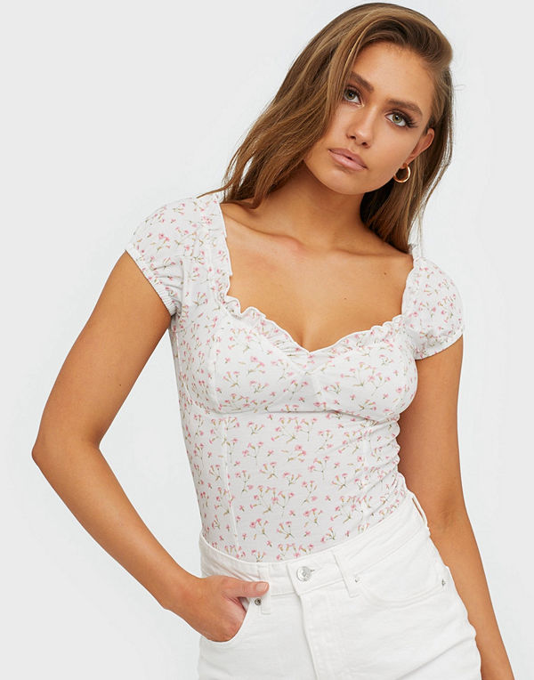 NLY Trend Flirty Print Top