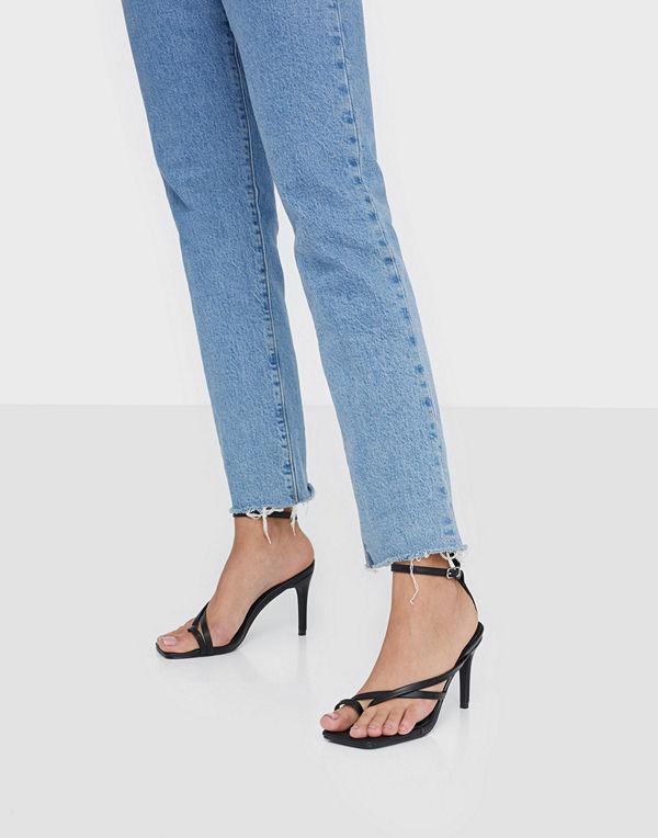 Missguided Cross Toe Post Low Heel