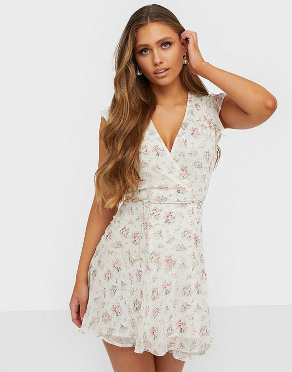 NLY Trend Come Around Dress
