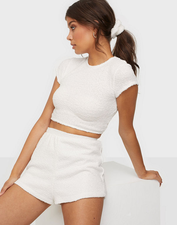 NLY Trend Fluffy Shorts Set