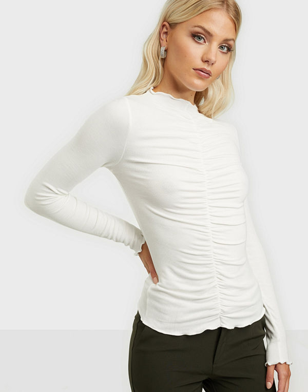 NLY Trend Front Detail Top