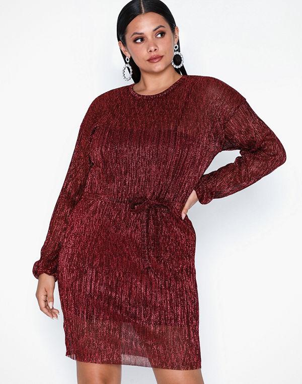 NLY Trend Shimmer Plissé Dress