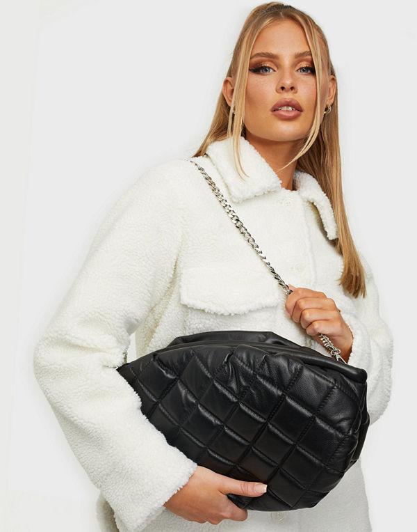 NuNoo svart väska Maxi Lin Smooth Quilt
