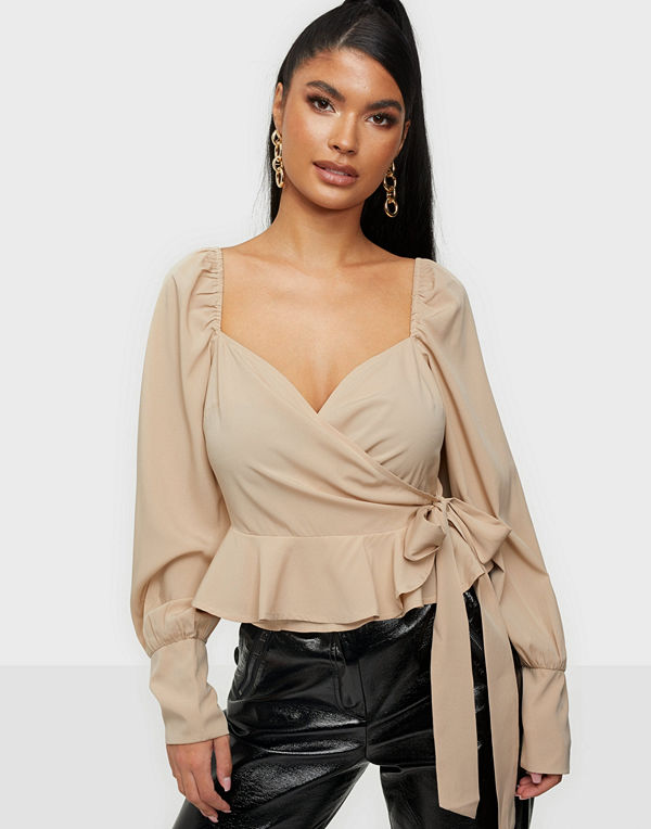 NLY Trend Wrapped Around Love Blouse