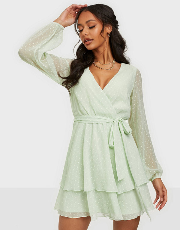 NLY Trend Loveable Wrap Dress