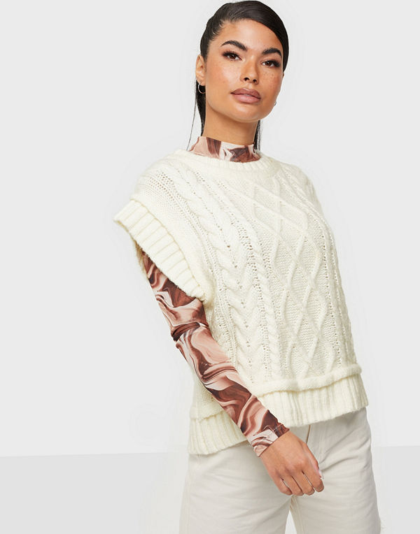Neo Noir Malley Cable Knit Waistco