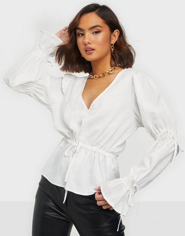 NLY Trend Tie Detailed Blouse