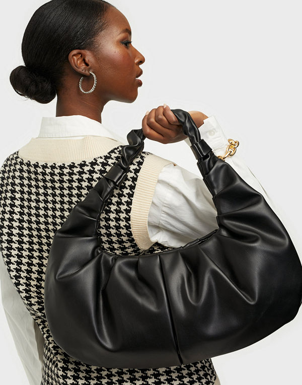 NLY Accessories svart väska The Croissant Bag