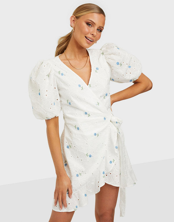 Missguided Floral Broderie Puff Sleeve Mini Dress