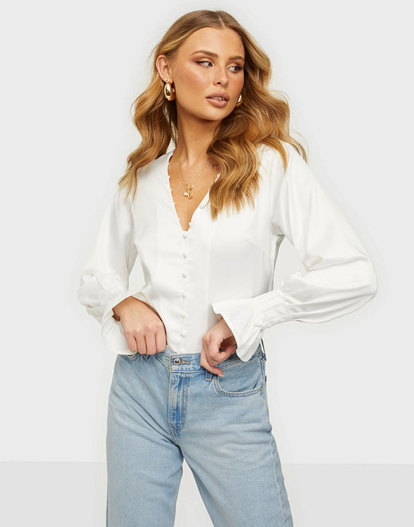 NLY Trend Fancy Button Blouse