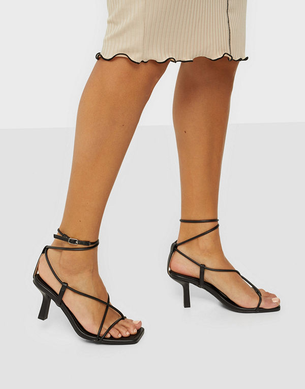 Missguided Strappy Toe Mid Heel Sandals