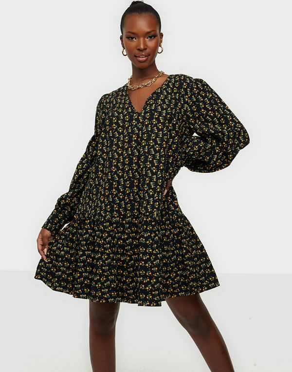 NLY Trend Favourite Puffy Dress