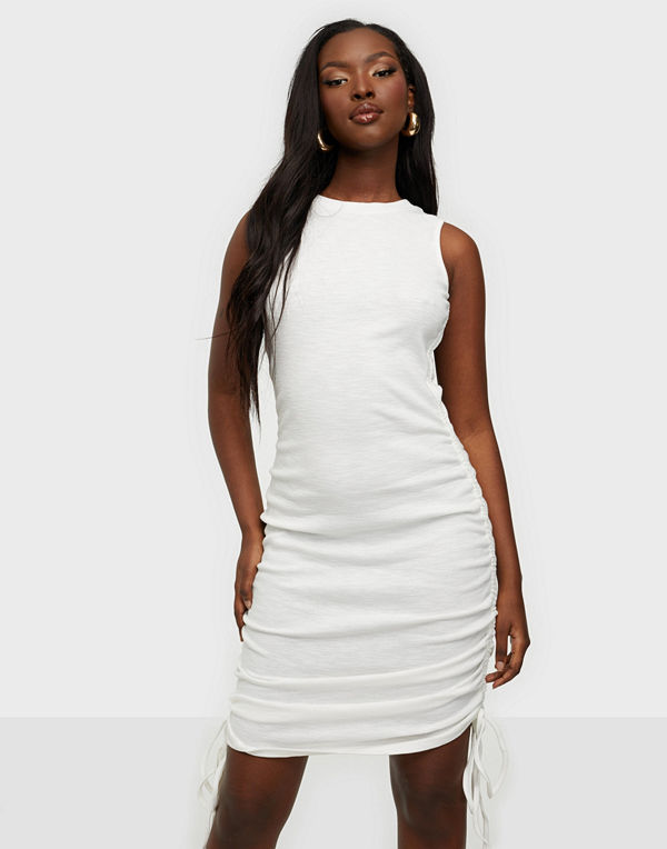 Glamorous Ruched Sleeveless Midi Dress